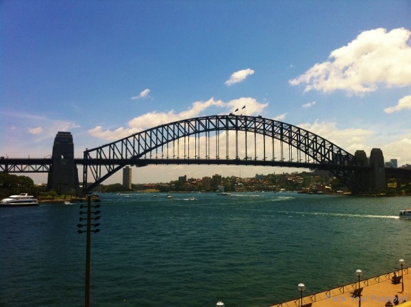 how to get australian working visa from uk