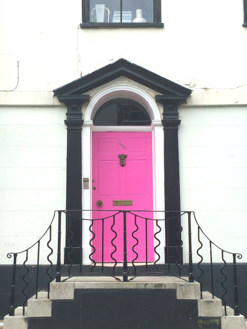 pink door hastings
