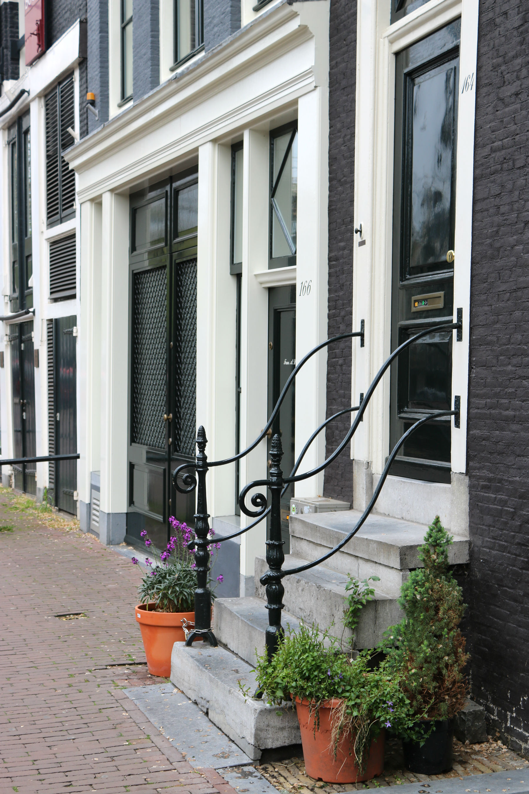 amsterdam houses black and white
